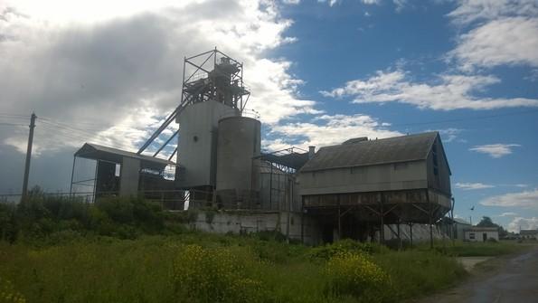 Зернохранилище в селе Гремяки - фото